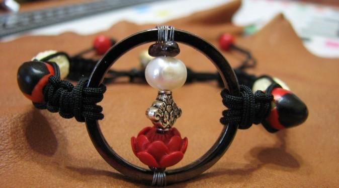 medical wheel amulet