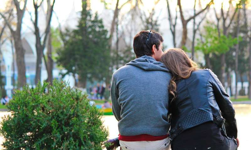what-you-need-to-know-before-dating-someone-with-cancer