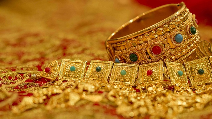meaning-of-dreaming-about-jewelry