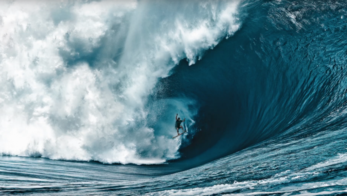 meaning-of-dreaming-about-giant-waves