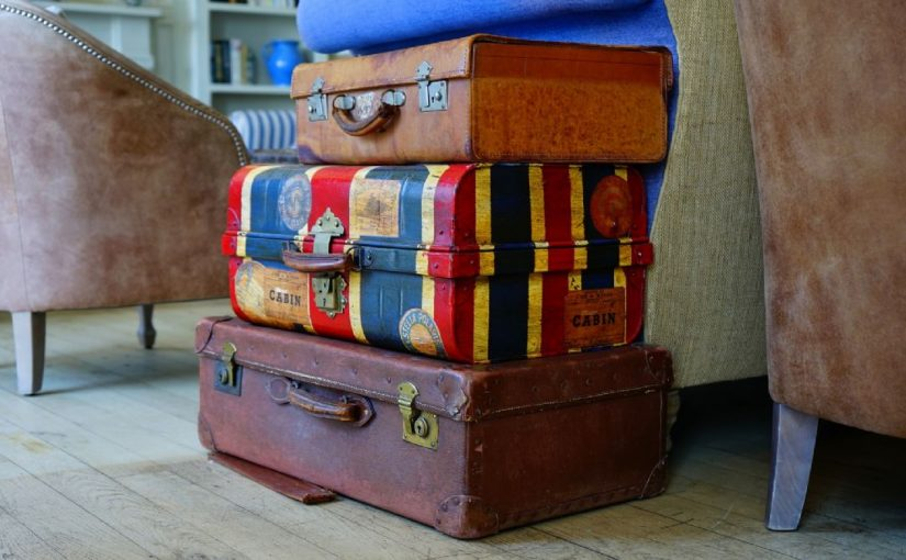 meaning-of-dreaming-about-suitcases