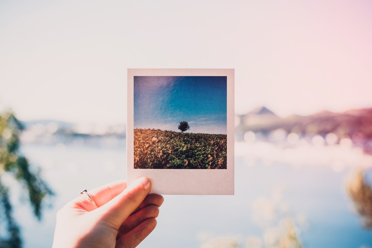 meaning-of-dreaming-about-photos