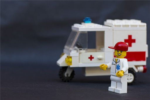 meaning-of-dreaming-about-ambulance