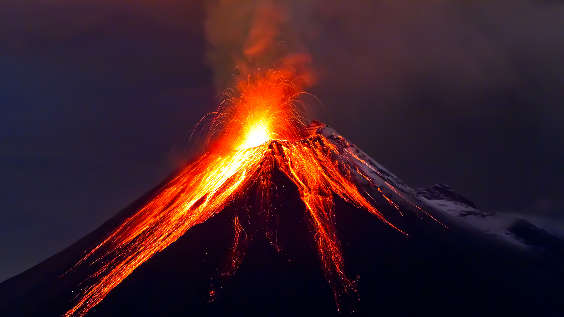 meaning-of-dreaming-about-volcano